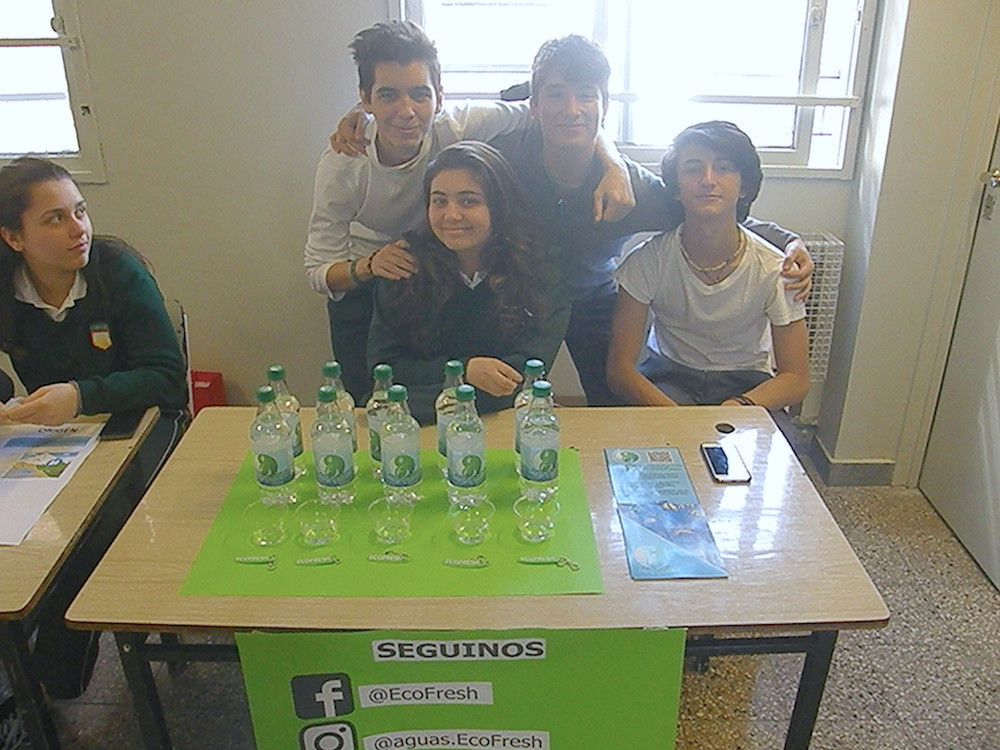 Los alumnos de 3º año  presentaron sus proyectos de investigación acerca de las propiedades del agua