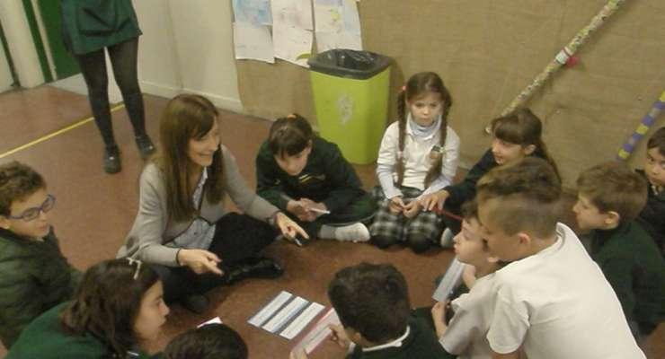 Los alumnos de primaria emocionaron a todos con sus muestras de cariño para sus maestros