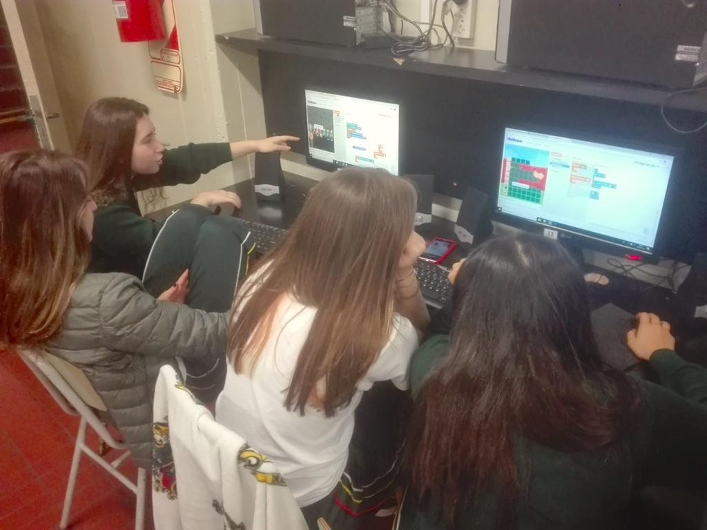 Los alumnos de 3º año están aprendiendo a programar