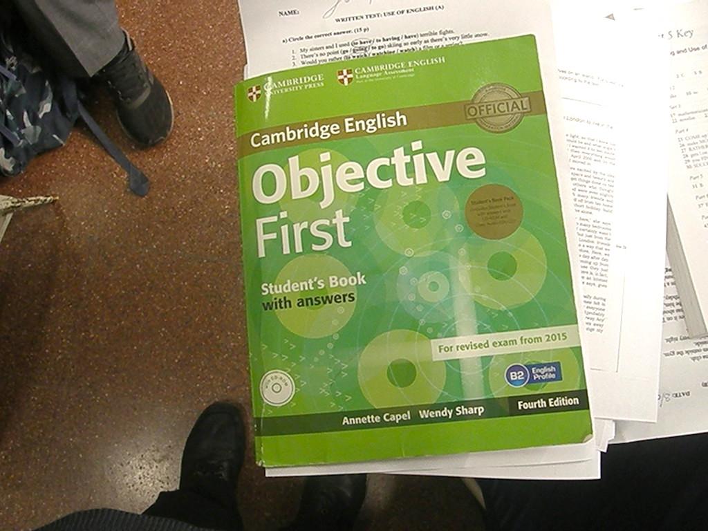 Los alumnos del curso de FCE realizaron una corrección conjunta de un Mock Exam