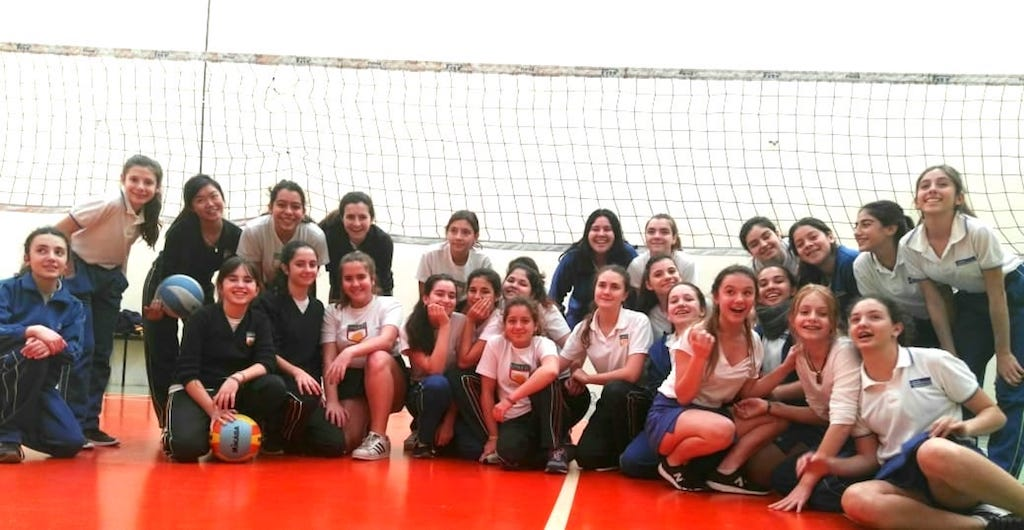 Torneo de voley con las chicas del González Pecotche