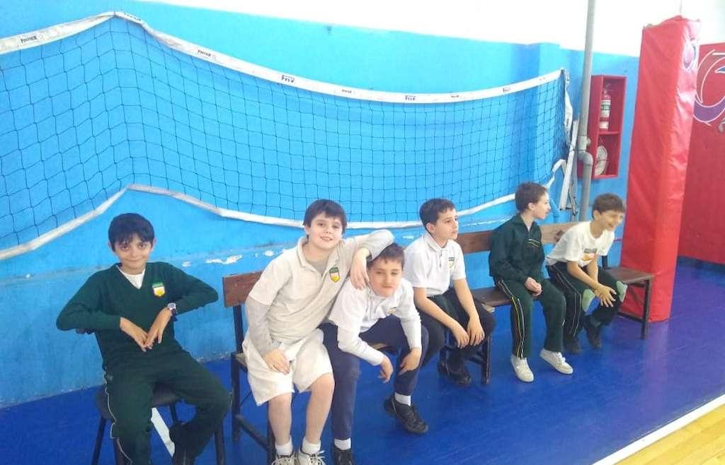 Alumnos de 4° a 6° grado participaron de un encuentro de  básquet con el club Scholem