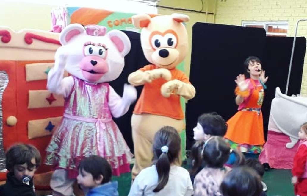 """Kinder festejó con """"Historias de Placard"""""""