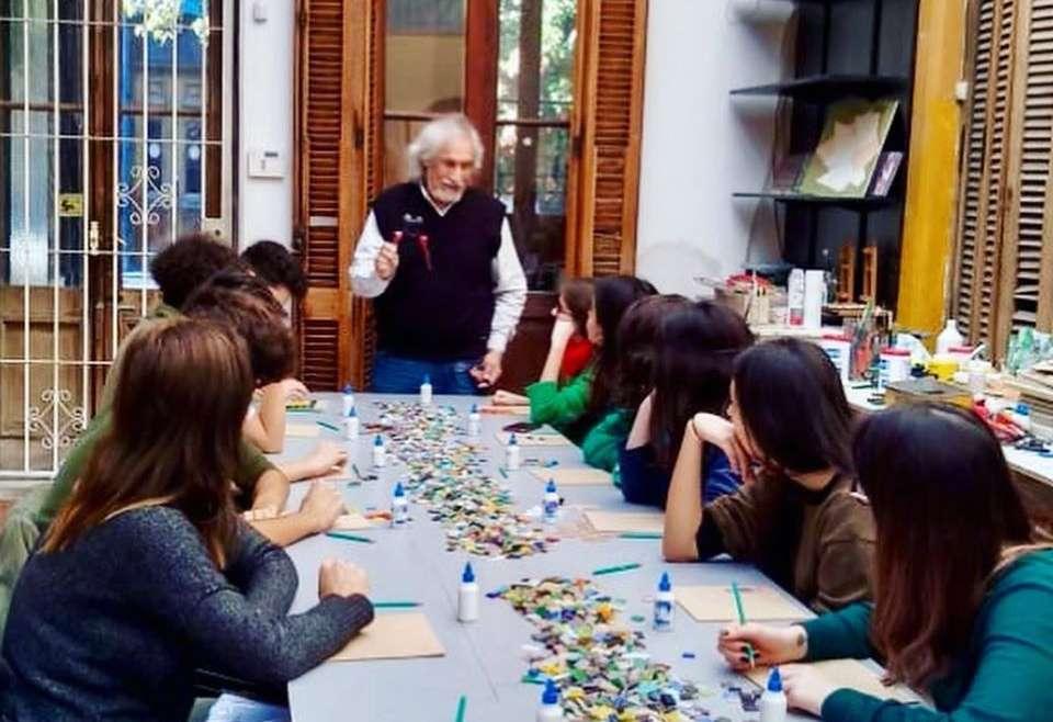 Alumnos de 3° y 4° año visitaron el taller del artista Marino Santa María